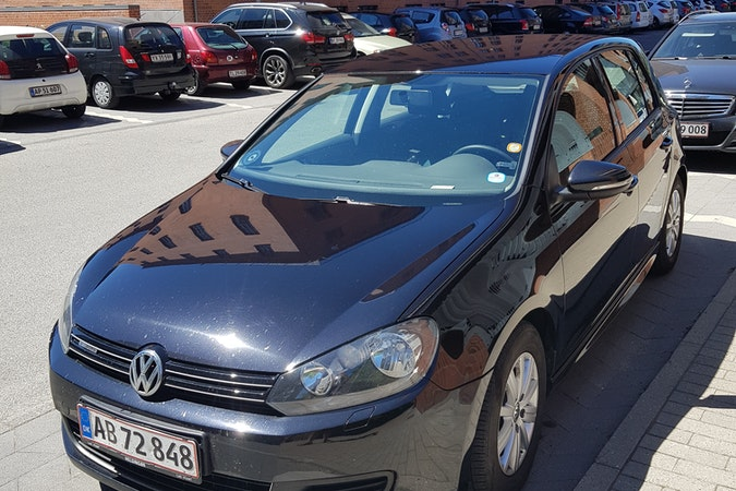 Billig billeje af VW GOLF BLUEMOTION 1,6TDI nær 2791 Dragør.
