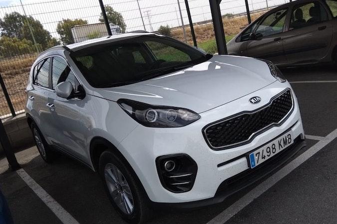 Alquiler barato de Kia Sportage 1.7 Crdi Vgt E-D Drive con equipamiento GPS cerca de 41018 Sevilla.
