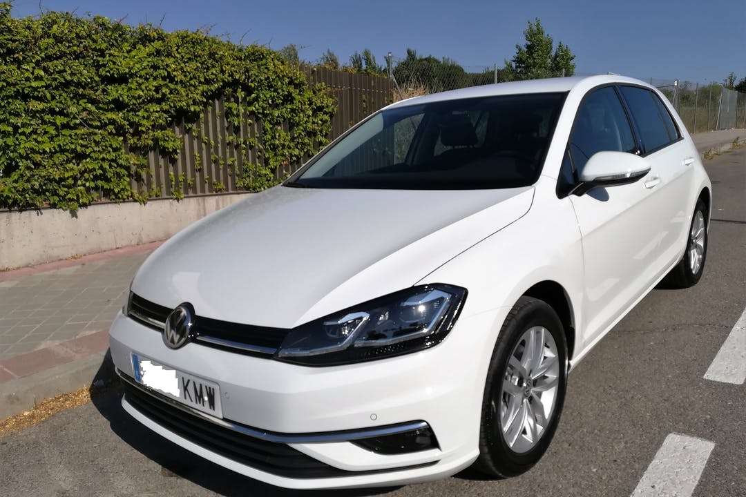 Alquiler barato de Volkswagen Golf Advance 1.6 Tdi 115 cerca de 28034 Madrid.