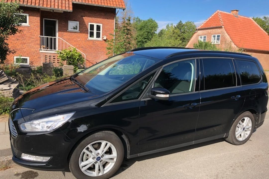 Billig billeje af Ford Galaxy 1.6 med Isofix beslag nær 2860 Søborg.
