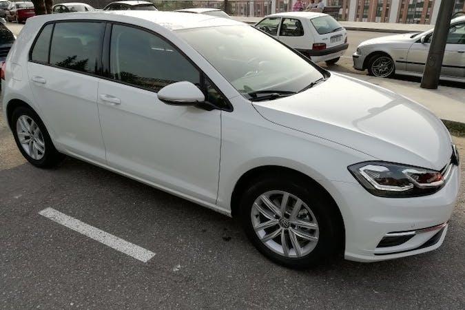 Alquiler barato de Volkswagen Golf Advance 1.6 Tdi 115 cerca de 33010 Oviedo.