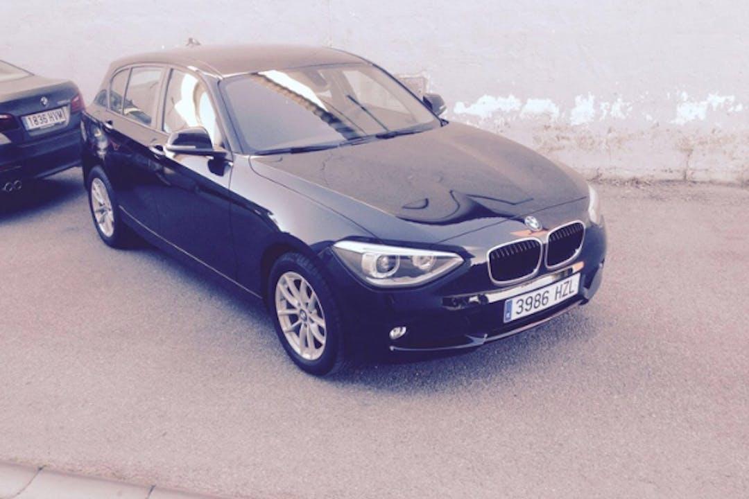 Alquiler barato de BMW Serie 1 cerca de 18006 Granada.