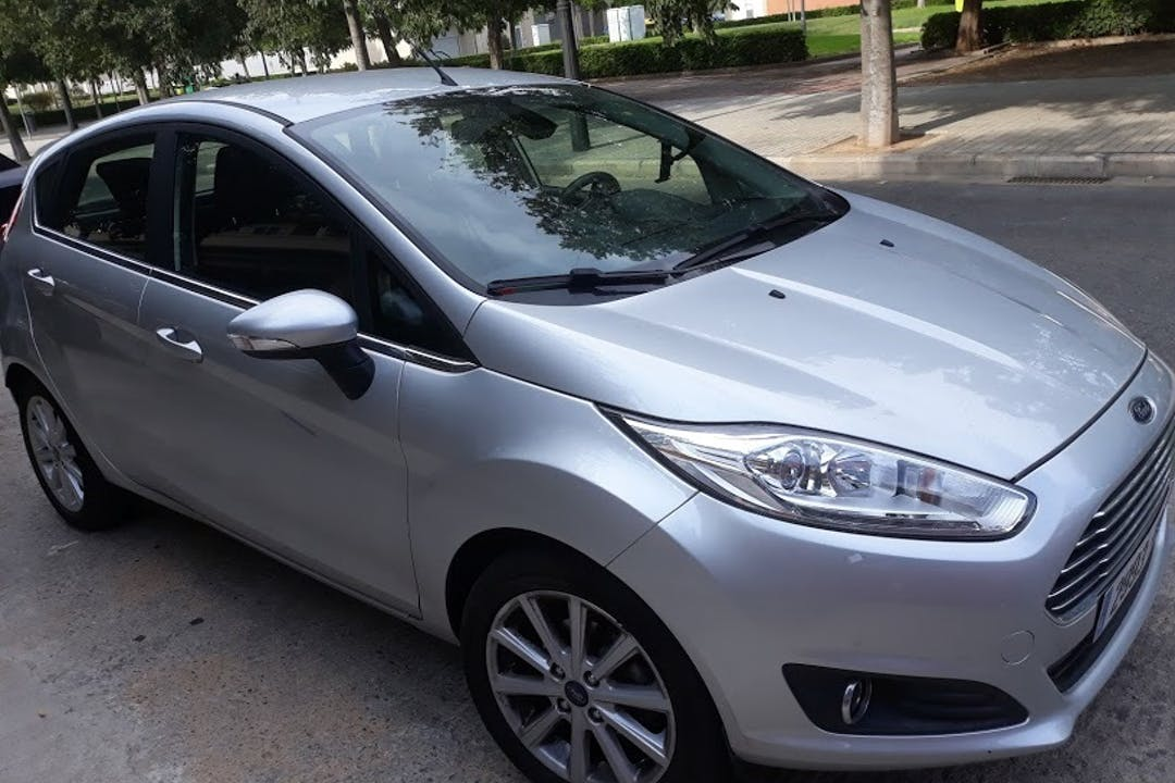 Alquiler barato de Ford Fiesta 1.0 Ecoboost 100 S/S St-L cerca de 46025 València.