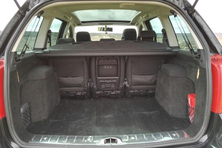 Alquiler barato de Peugeot 307 Sw 2.0 Hdi 136 con equipamiento Fijaciones Isofix cerca de 39108 Santa Cruz de Bezana.
