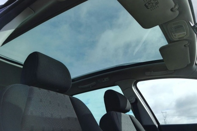 Alquiler barato de Peugeot 307 Sw 2.0 Hdi 136 con equipamiento Bluetooth cerca de 39108 Santa Cruz de Bezana.