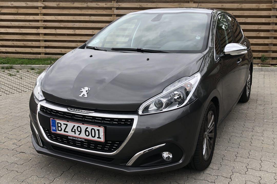 Billig billeje af Peugeot 208 1.6 BlueHDi Diesel nær 2700 København.