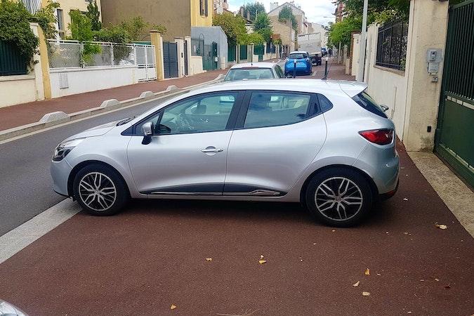 Location économique de voiture de Renault Clio proche de 92000 Nanterre.