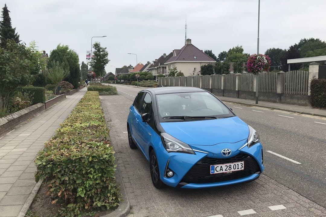 Billig billeje af Toyota Yaris Hybrid med Isofix beslag nær 8920 Randers.