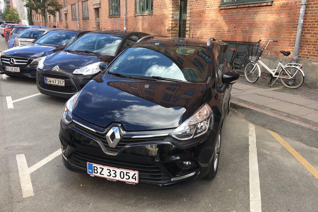 Billig billeje af Renault Clio Zen 1,5 dCi 90 HK 5D med GPS nær 2200 København.