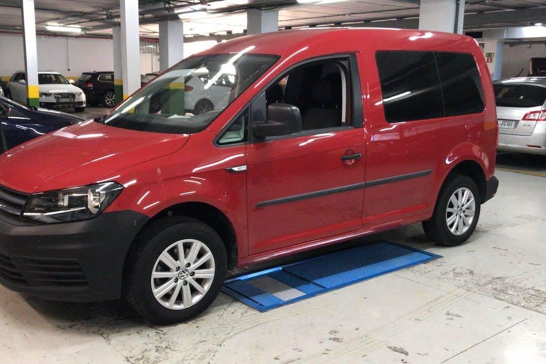 Alquiler barato de Volkswagen Caddy cerca de 28033 Madrid.