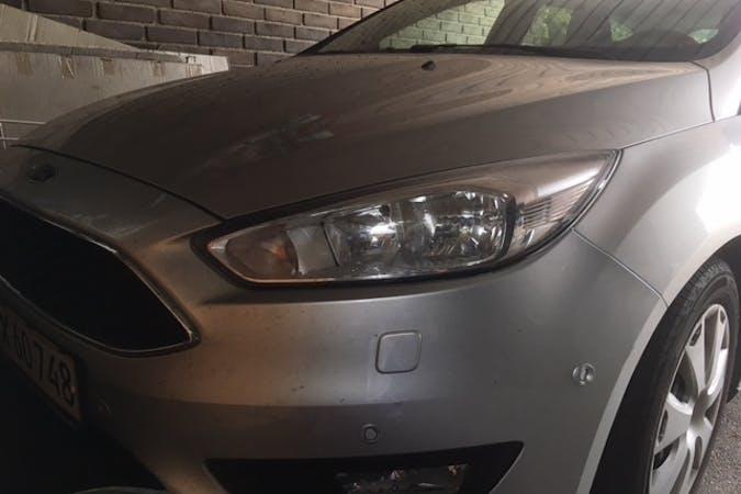 Billig billeje af Ford Focus stationcar, ny model 2016 med GPS nær 3500 Værløse.