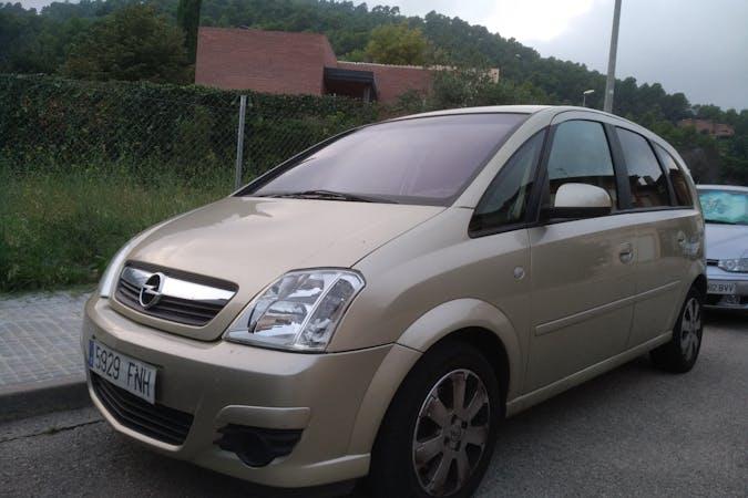 Alquiler barato de Opel Meriva Cosmo 1.6 Xep con equipamiento Aire acondicionado cerca de 08221 Terrassa.