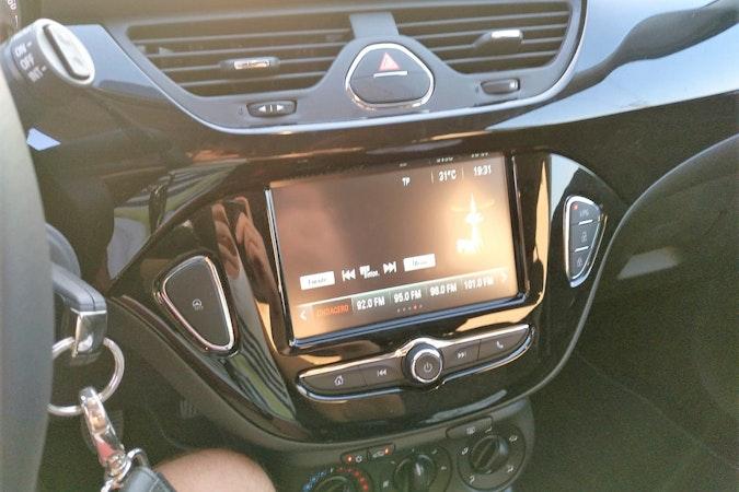 Alquiler barato de Opel Corsa 1.4 90 Selective con equipamiento Aire acondicionado cerca de 46010 València.