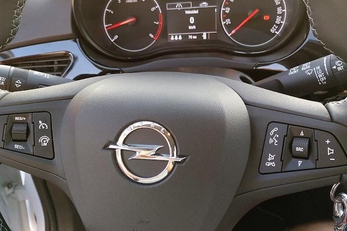 Alquiler barato de Opel Corsa 1.4 90 Selective con equipamiento Bluetooth cerca de 46010 València.
