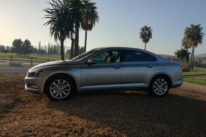 Alquiler barato de Volkswagen Passat 1.6tdi 120 Bmt Advance cerca de 29018 Málaga.