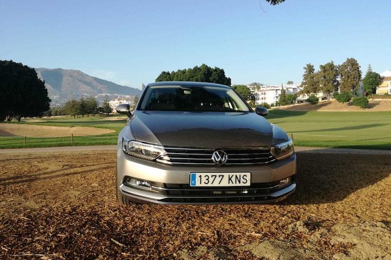 Alquiler barato de Volkswagen Passat 1.6tdi 120 Bmt Advance con equipamiento AUX/Reproductor MP3 cerca de 29018 Málaga.