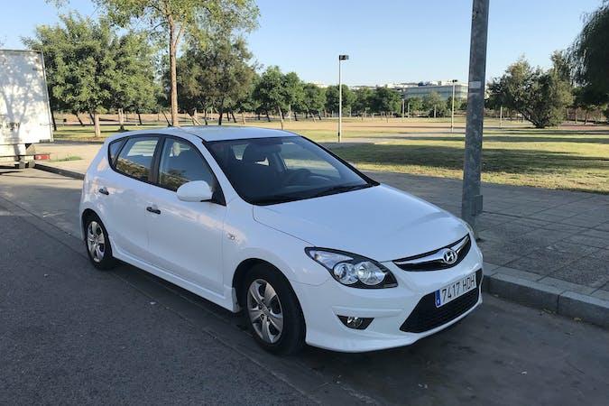 Alquiler barato de Hyundai I30 1.4 Classic Gl cerca de 41013 Sevilla.