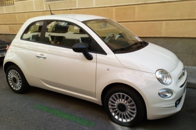 Alquiler barato de Fiat 500 1.2 Lounge cerca de 28012 Madrid.