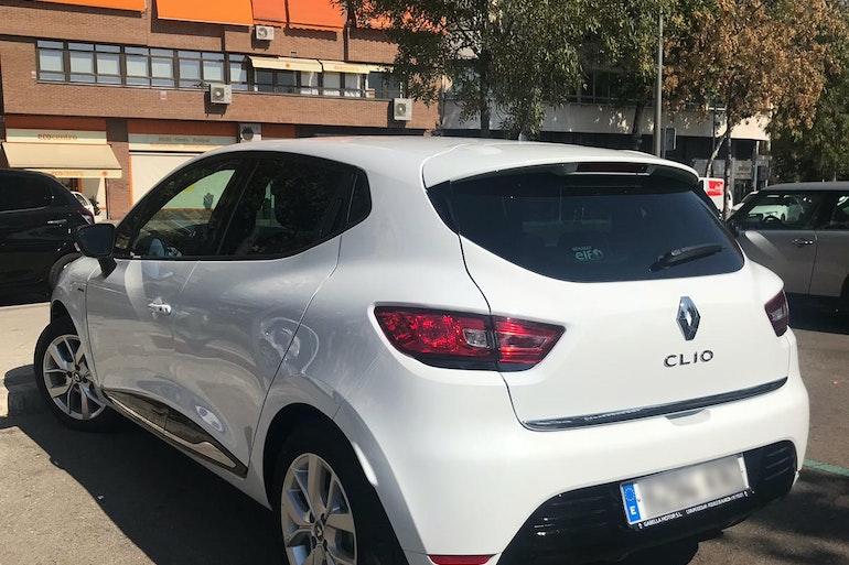 Alquiler barato de Renault Clio Limited 1.5 Dci 90 Eco-En cerca de 28003 Madrid.