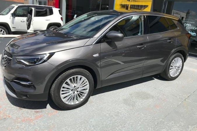 Alquiler barato de Opel Grandland X 1.6cdti 120 S&S Selective con equipamiento GPS cerca de 28029 Madrid.