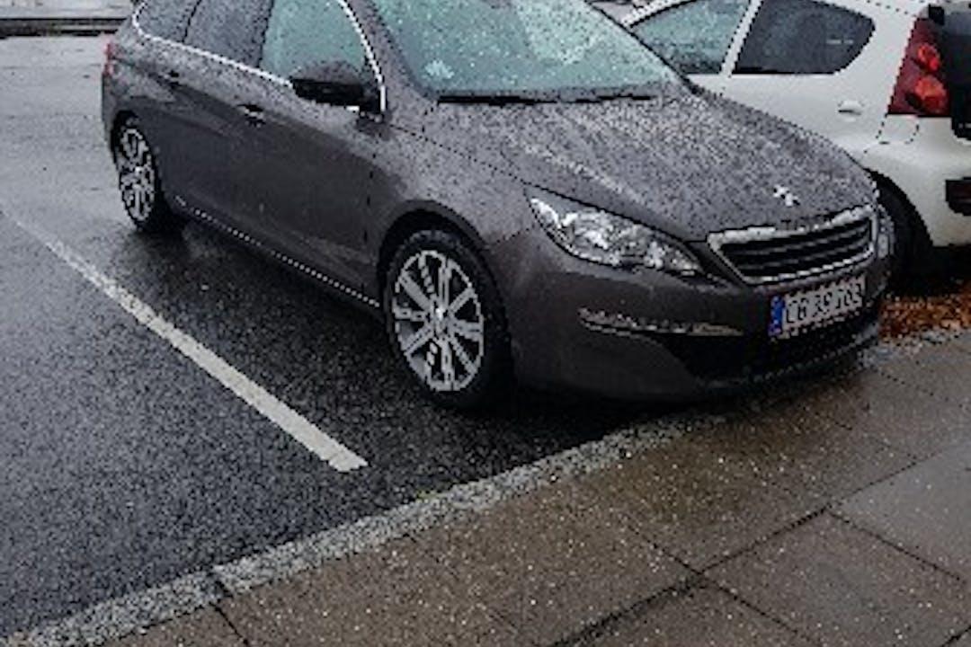 Billig billeje af Peugeot  308 sw nær 6100 Haderslev.