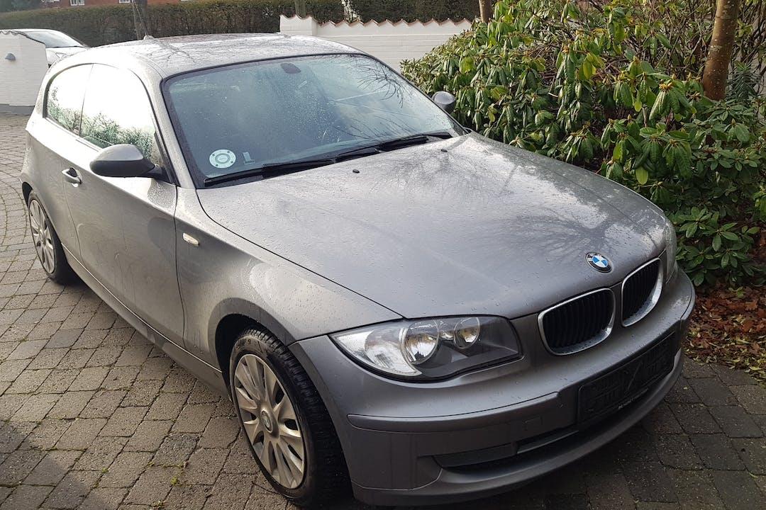 Billig billeje af BMW 116D, 3dørs, Diesel, Alpine musikanlæg nær 5230 Odense.