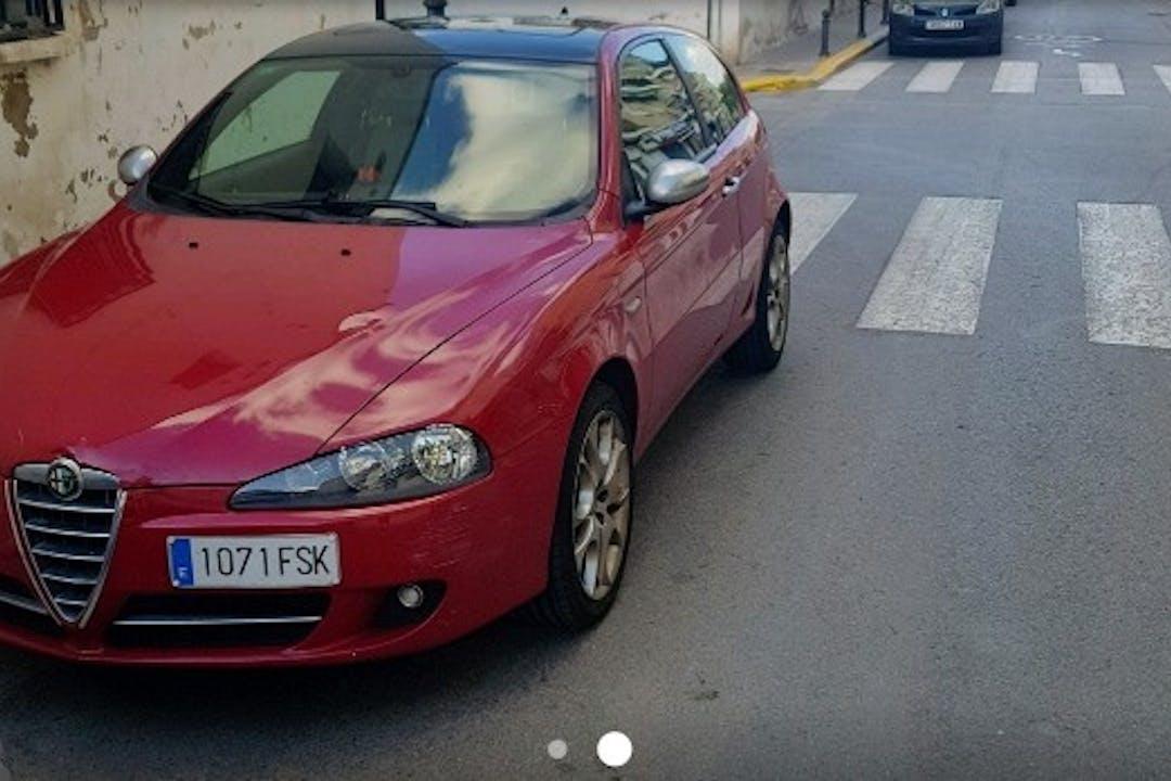 Alquiler barato de Alfa Romeo 147 1.6 Ts 120 Collezione con equipamiento Fijaciones Isofix cerca de 46940 Valencia.
