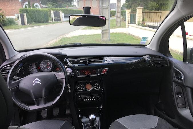Location économique de voiture de Citroen C3 avec Boule d'attelage proche de 59200 Tourcoing.