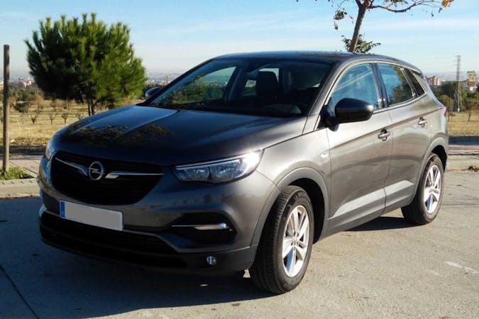Alquiler barato de Opel Grandland X 1.6cdti 120 S&S Selective con equipamiento GPS cerca de 28696 Pelayos de la Presa.