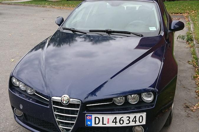 Billig leie av Alfa Romeo 159 i nærheten av 7051 .