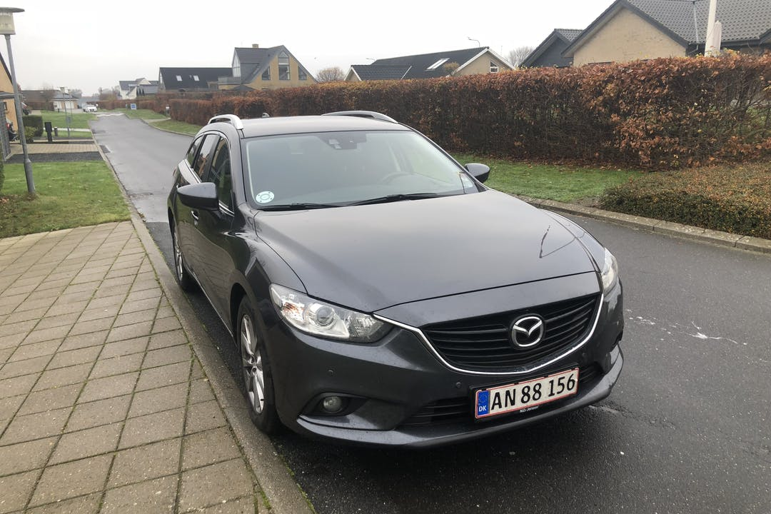 Billig billeje af Mazda 6 2.0 SkyActiv-G st. car med Isofix beslag nær 9240 Nibe.