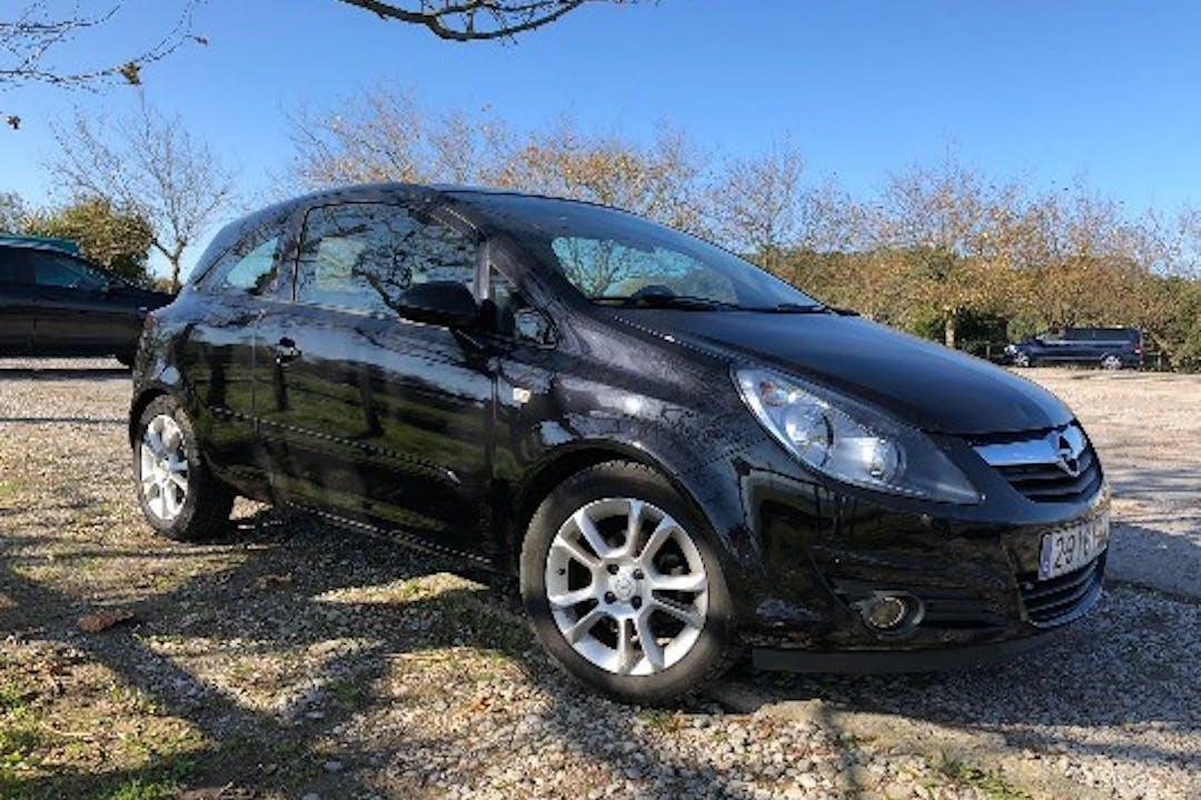 Alquiler barato de Opel Corsa 1.4 Cosmo cerca de 39011 Santander.