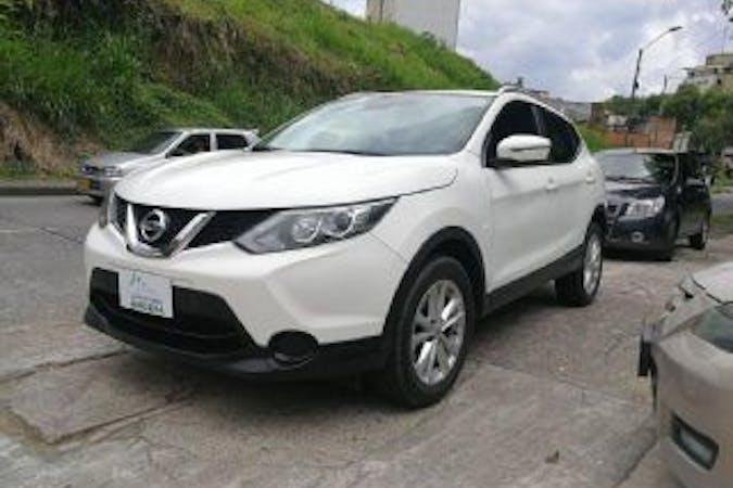 Alquiler barato de Nissan Qashqai 1.5 Dci N-Connecta con equipamiento GPS cerca de 08036 Barcelona.