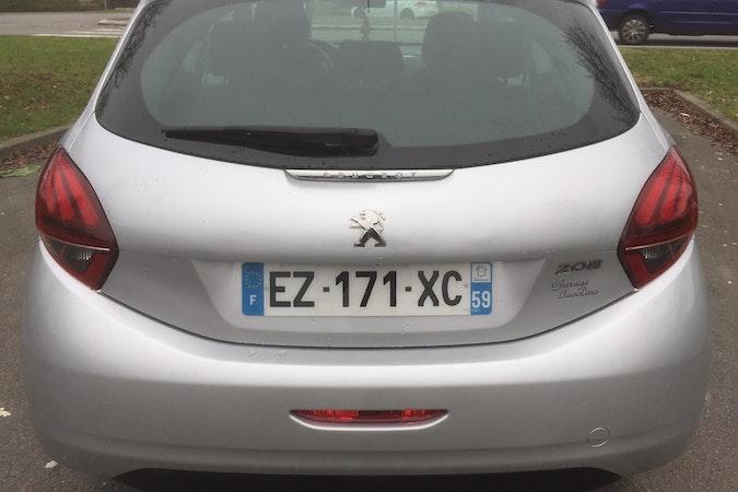 Location économique de voiture de Peugeot 208 proche de 59200 Tourcoing.