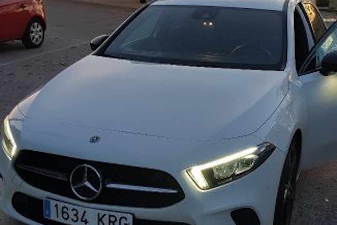 Alquiler barato de Mercedes A (176) 180 Cdi Amg Line cerca de  Sevilla.