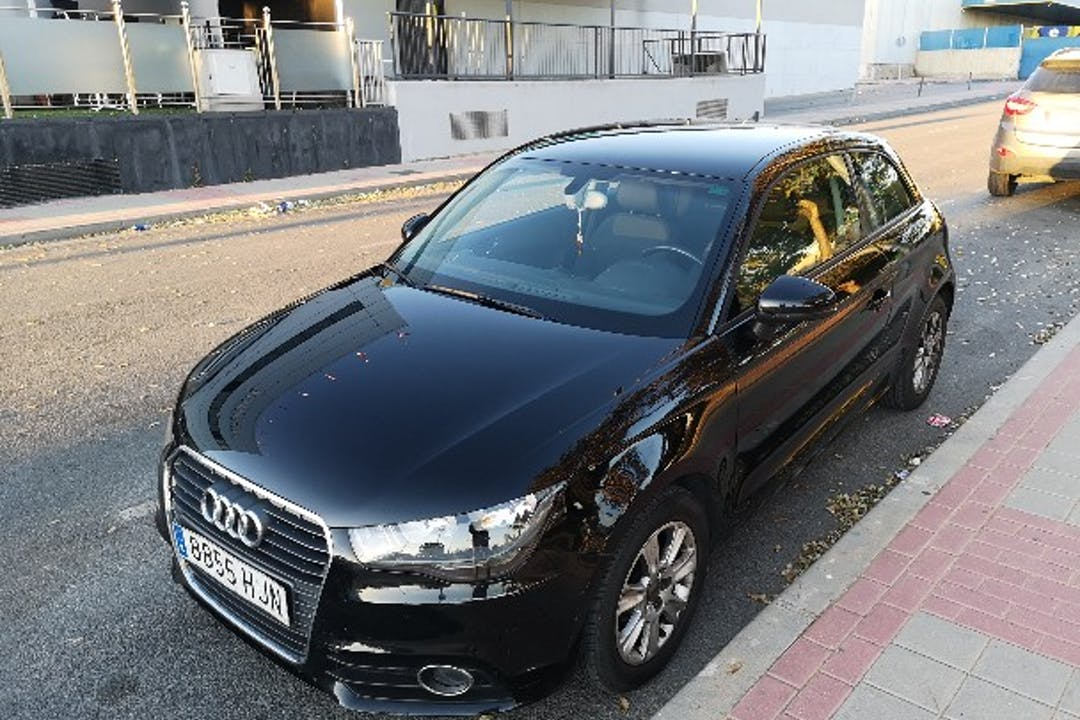 Alquiler barato de Audi A1 1.2 Tfsi Ambition cerca de 30110 Churra.