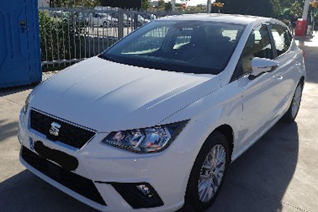 Alquiler barato de Seat Ibiza Style 1.0 Ecotsi 95 S&S con equipamiento Bluetooth cerca de  Alacant.