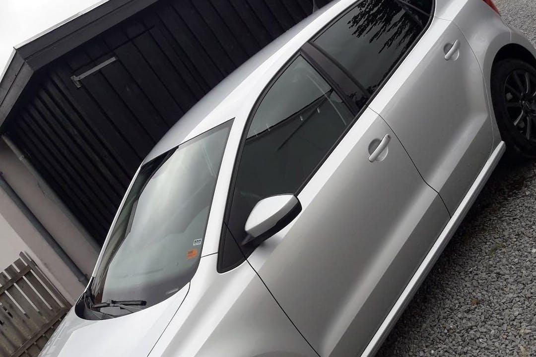 Billig billeje af VW Polo 1.6 TDI med GPS nær 9800 Hjørring.