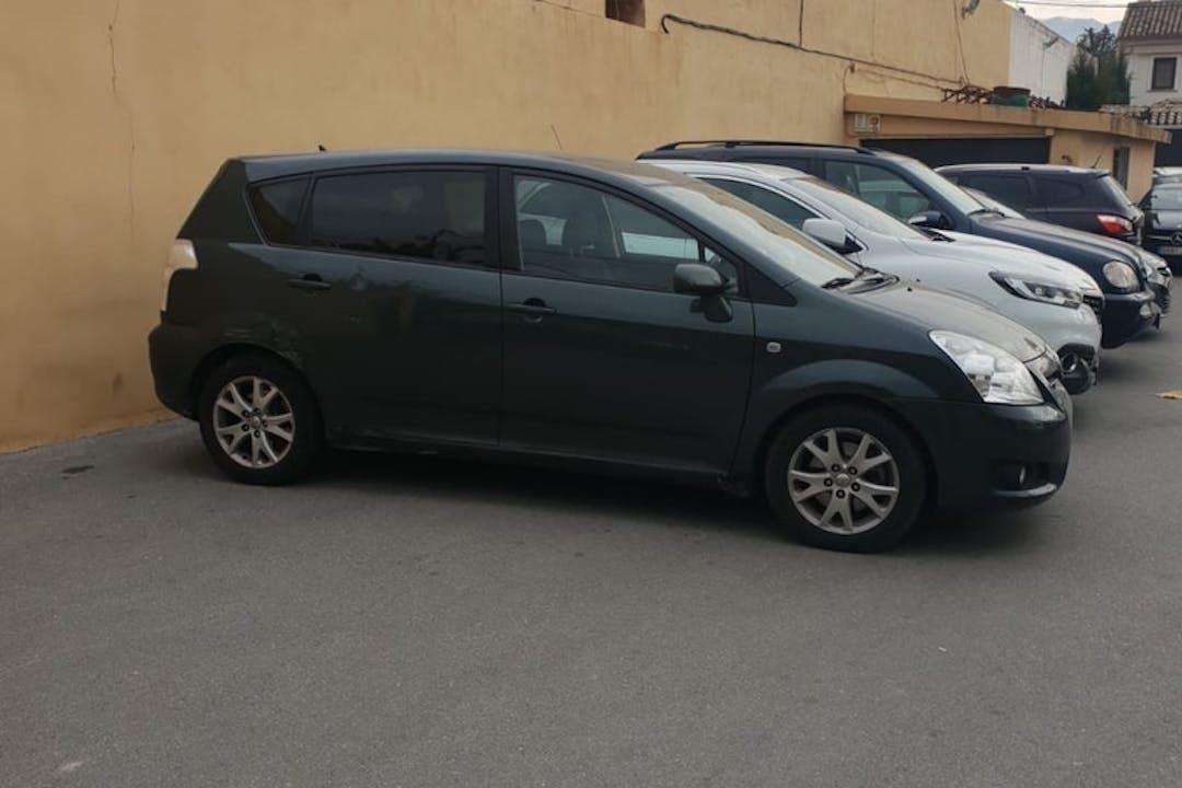 Alquiler barato de Toyota Verso cerca de 18006 Granada.