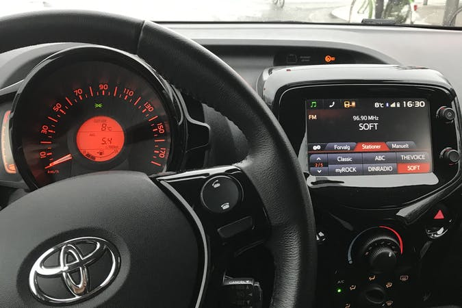 Billig billeje af Toyota Aygo nær 8000 Aarhus.