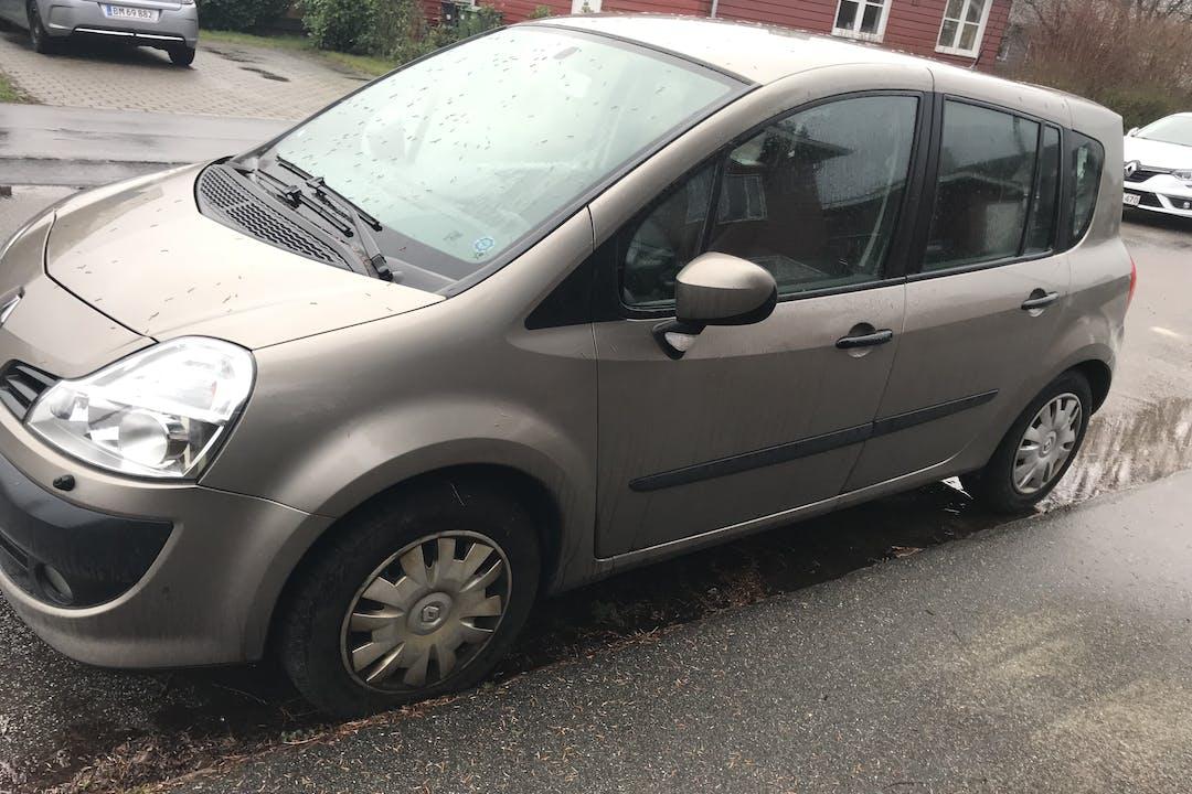 Billig billeje af Renault Modus nær 8210 Aarhus.