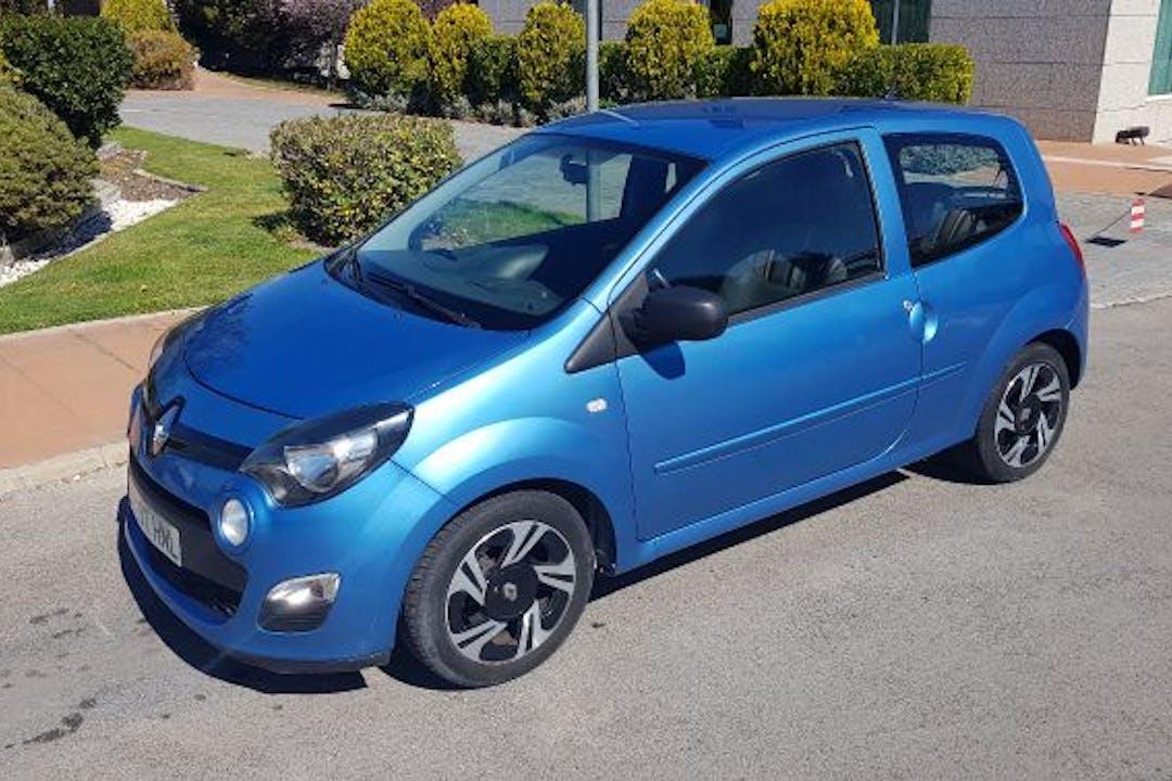 Alquiler barato de Renault Twingo 1.2 16V Emotion cerca de 28040 Madrid.