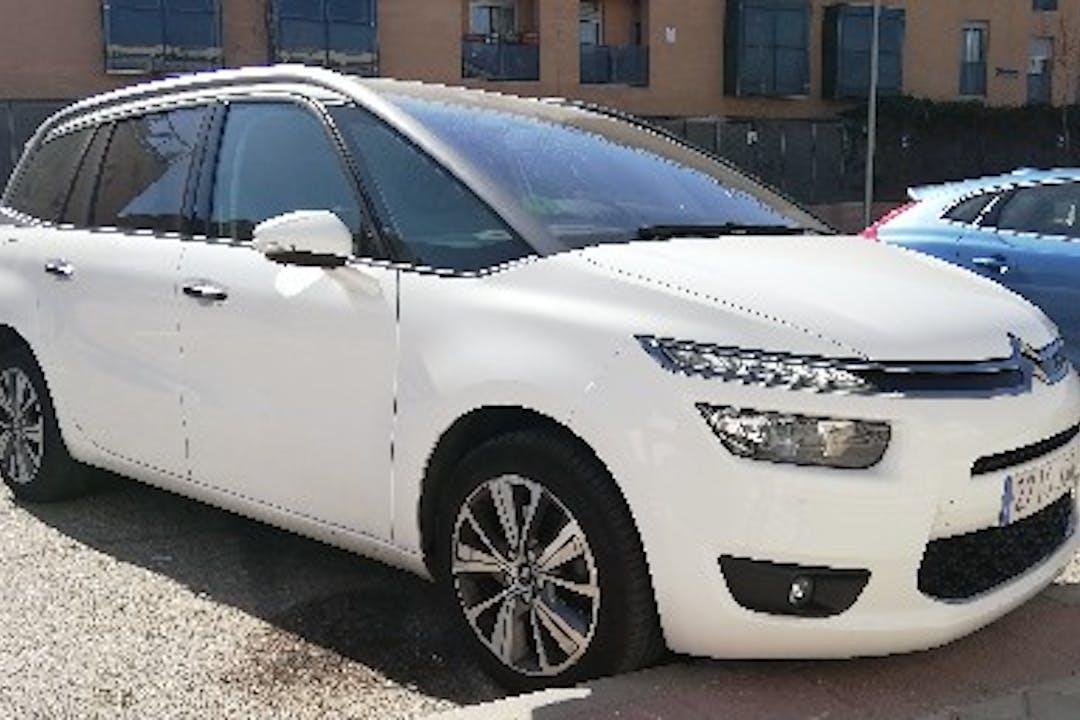 Alquiler barato de Citroën C4 Grand Picasso cerca de 28045 Madrid.
