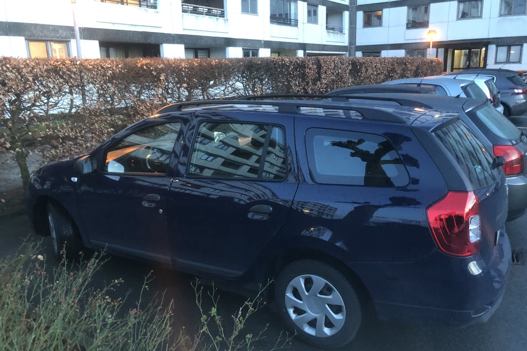 Billig billeje af Dacia Logan MCV med Isofix beslag nær 2000 Frederiksberg.