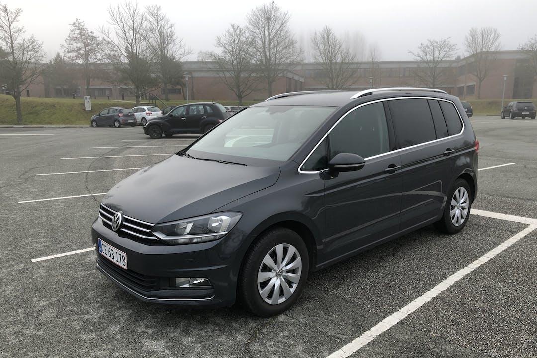 Billig billeje af VW Touran 1.6 Diesel, 7 personers  med GPS nær 2665 Vallensbæk Strand.