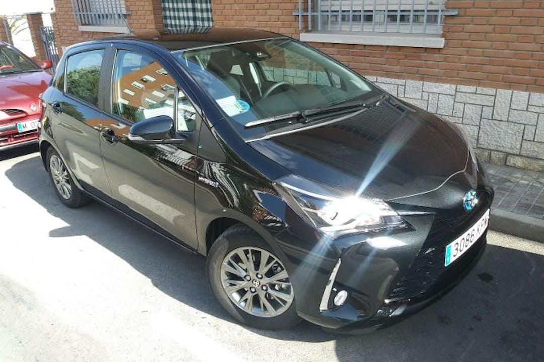 Alquiler barato de Toyota Yaris Active 1.5 Hsd cerca de 28350 Ciempozuelos.