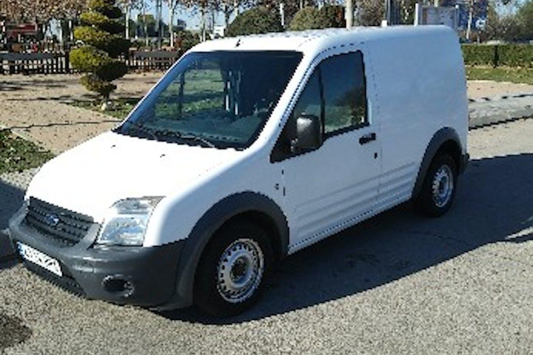 Alquiler barato de Ford Transit 100 Furgon cerca de 28350 Ciempozuelos.