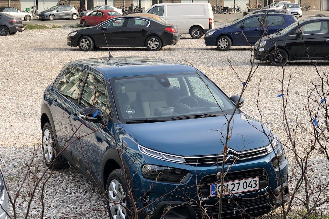 Billig billeje af Citroën C4 Cactus, CarPlay nær 1432 København.