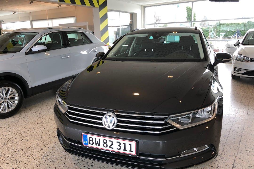 Billig billeje af Topmoderne VW Passat med GPS nær 8260 Viby.