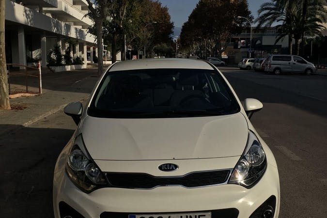 Alquiler barato de Kia Rio 1.4 Cvvt109 Drive Eco Dyn cerca de 07611 Palma.